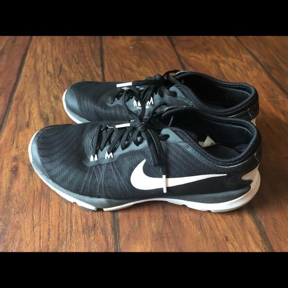 5b040f7d29442 NIKE Flex Supreme Training 4 tennis shoes. M 5af9fa8f9cc7efda782bd365
